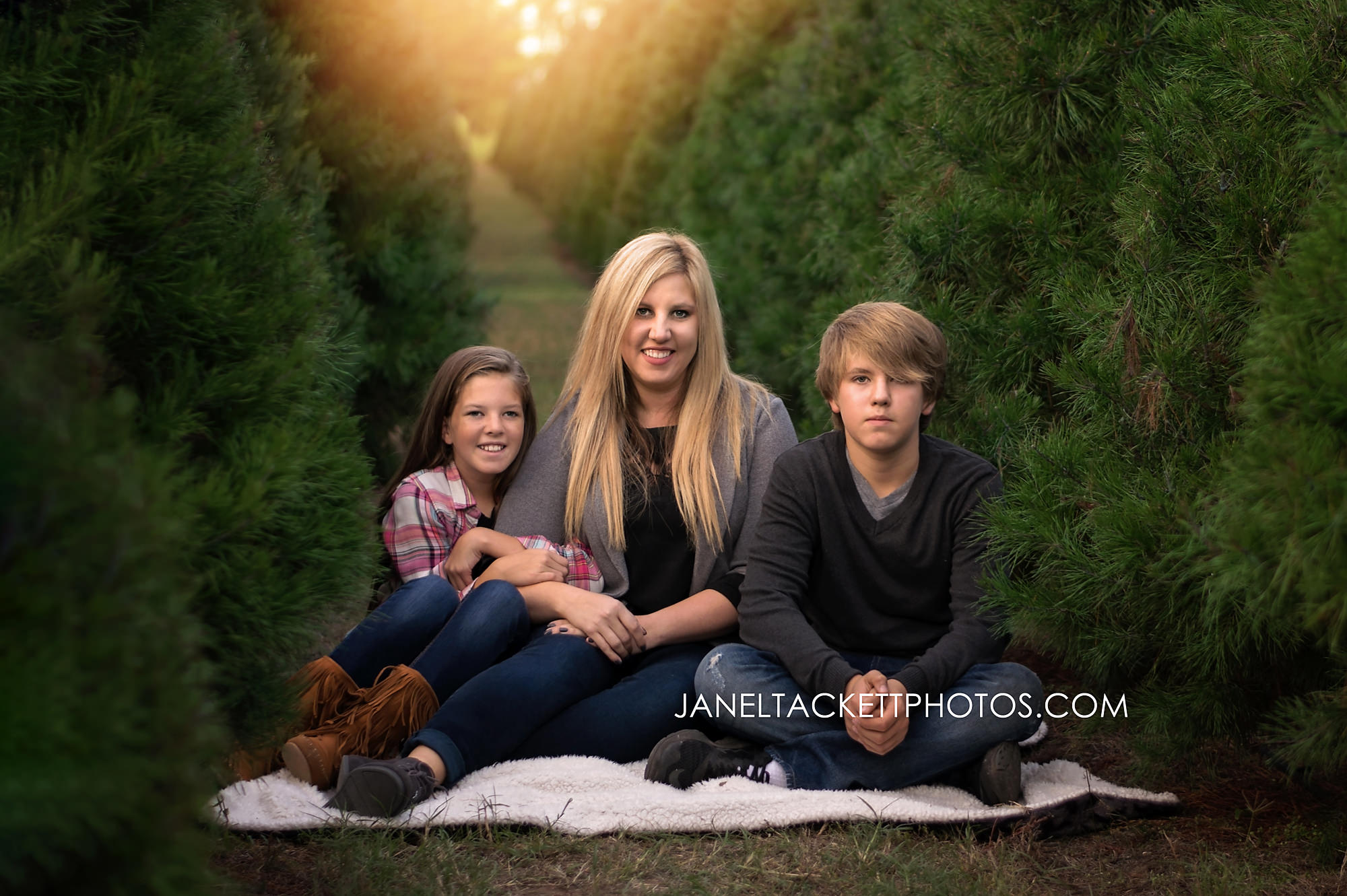 Owasso Christmas tree and berry farm family pictures